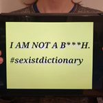 """Scritta su tablet """"I'm not a bitch - #sexistdictionary"""""""