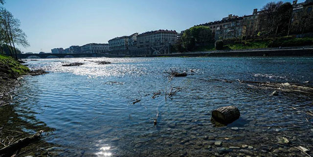 Veduta del Po a Torino da una sponda