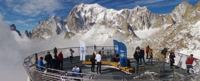 Digi To Sul Monte Bianco Per Toccare Il Cielo Con Un Dito