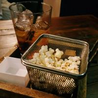 cocktail con popcorn
